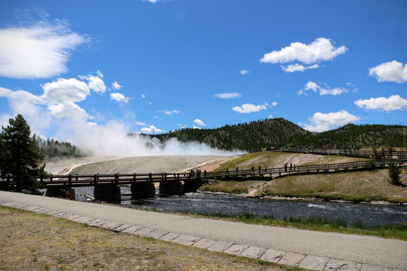 brug-over-firehole-yellowstone