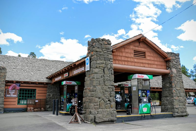 Old Faithful General Store Benzinestation
