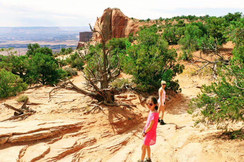Wandelen naar de Mesa Arch in Canyonlands