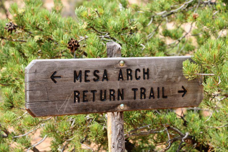 Mesa Arch Return Trail