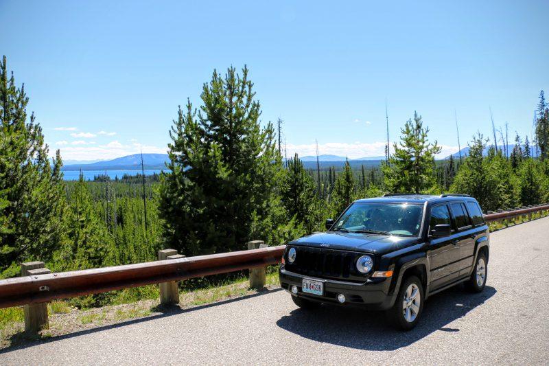 Met de auto naar Yellowstone lake