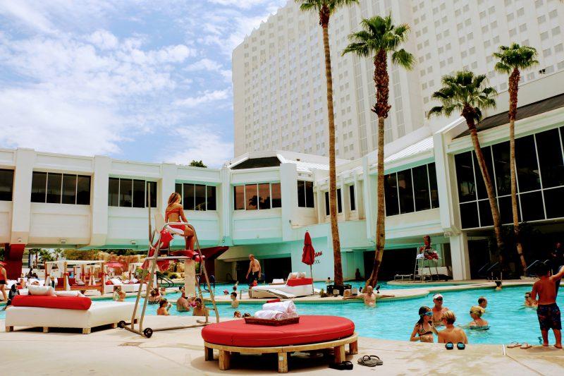 Het zwembad van hotel Tropicana in Las Vegas